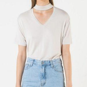 🎈2/$30-Oak &Fort cream t shirt with neck tie